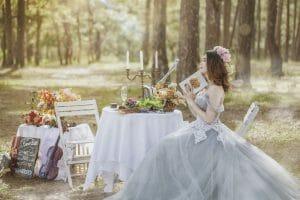 結婚式場でフラワーアレンジメントの仕事、装花のプロになるには?