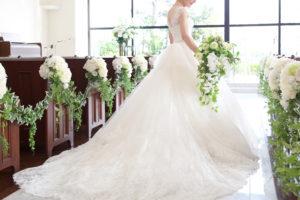 プリンセスラインのドレスに似合うブーケの選び方