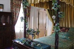 神戸北野異人館 英国館 ベッドルーム装花展示案内