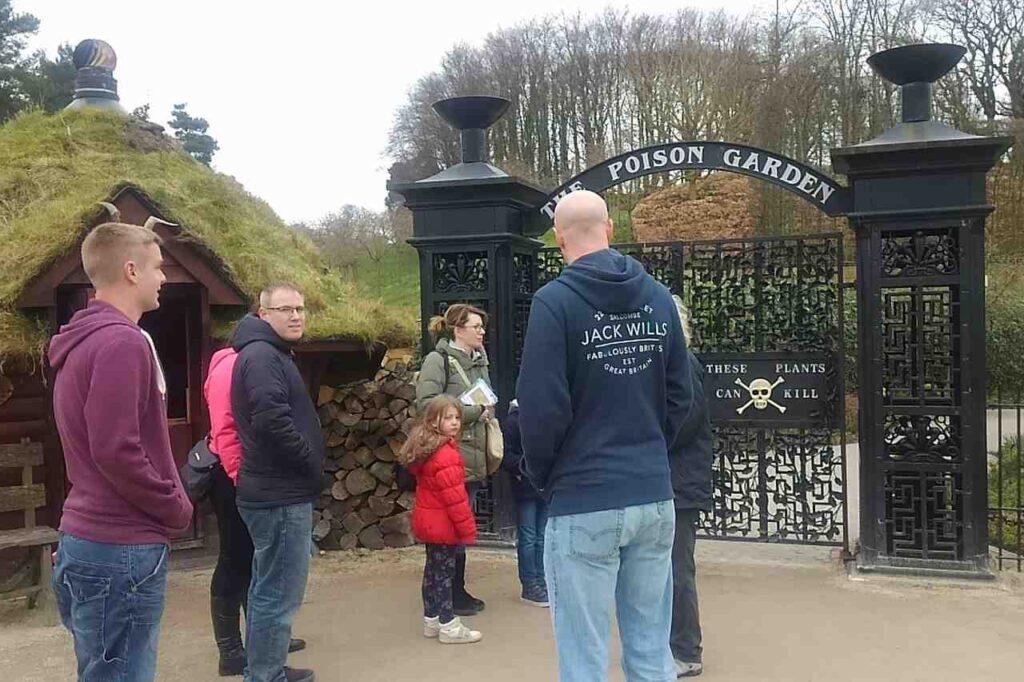 イギリスにある「アニックガーデン(Alnwick Garden)」の毒植物園